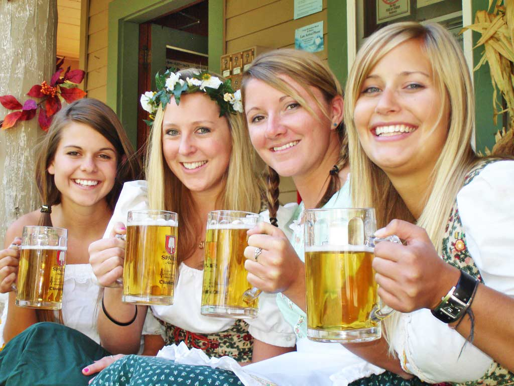 beautiful oktoberfest girls