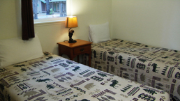 hallscott_bedroom_1_photo