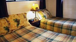 stutz_bedroom_2_photo