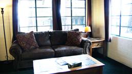 stutz_livingroom_photo
