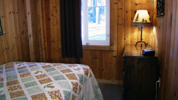 willy knight lake tahoe cabin bedroom