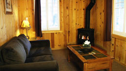 willy knight lake tahoe cabin living room
