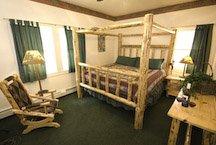 Camp_Rich_Hotel_2009-queen-LR